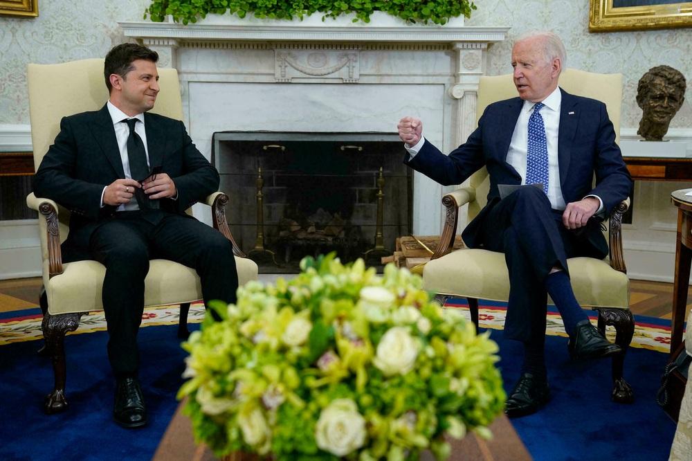 Phương Tây buộc phải bán đứng Ukraine: Nga chỉ vô tình hưởng lợi - Lý do bất ngờ là đây! - Ảnh 2.