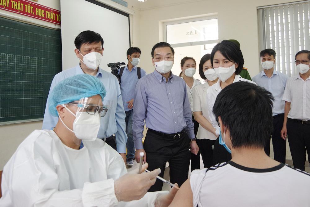 Chủ tịch Hà Nội Chu Ngọc Anh nêu 2 mục tiêu làm cơ sở xem xét nới lỏng giãn cách - Ảnh 1.