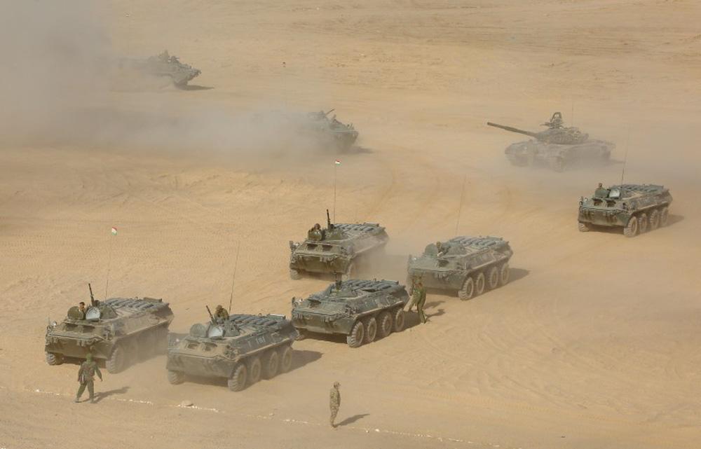Tajikistan liên tục có hành động nhằm vào Taliban, Nga không thể ngồi im: Vũ khí trang bị đổ về tới tấp - Ảnh 1.