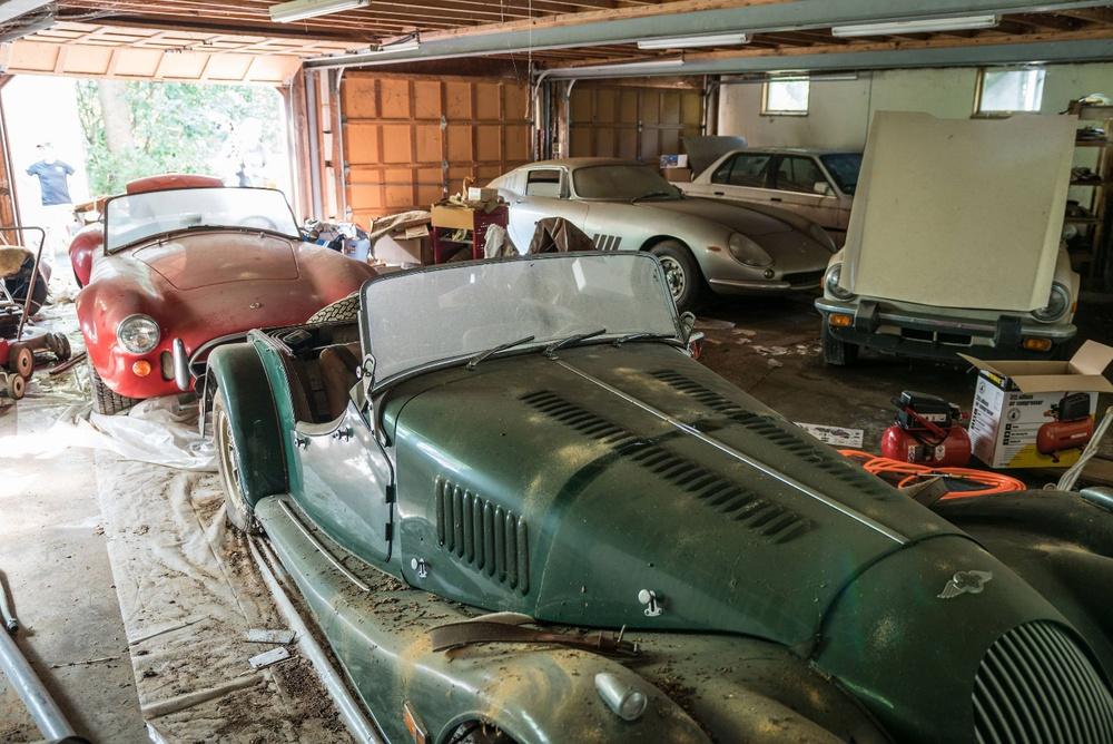 Người chủ bỏ mặc 5 chiếc xe đến thảm thương, chuột làm tổ từ trong ra ngoài – Chuyên gia định giá nhanh 4 triệu USD - Ảnh 1.