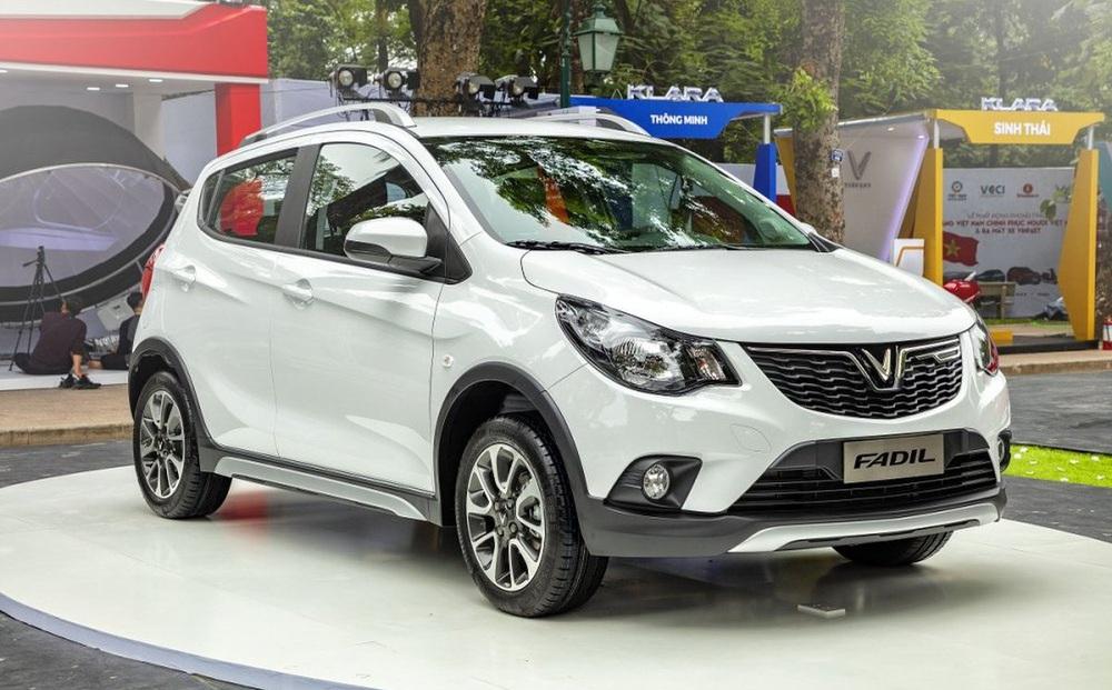 """VinFast Fadil """"bất bại"""" với hơn 2.000 xe/tháng, là xe bán chạy nhất Việt Nam"""