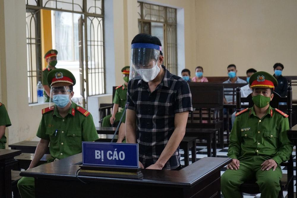 Chủ quán nhậu Lương Sơn Quán giết người vì phát hiện đầu bếp ôm vợ cũ ngủ - Ảnh 1.