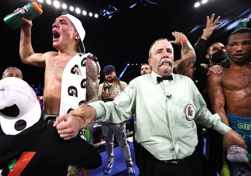 Chiến thắng đầy tai tiếng của Oscar Valdez sau trận bảo vệ đai WBC - Ảnh 3.