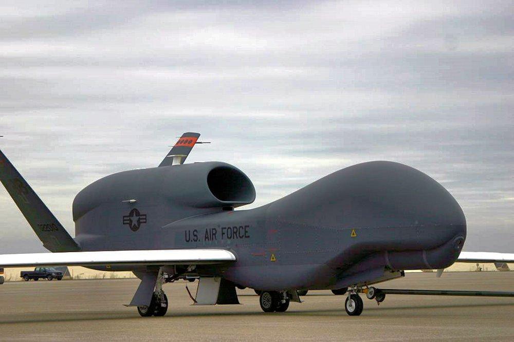 Máy bay NATO lượn lờ ở Crimea như đi chợ: Tướng Nga đưa ra con số kỳ lạ - Có âm mưu lớn! - Ảnh 2.