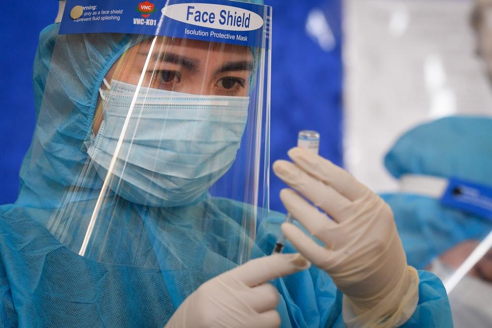 2 nhóm đối tượng không nên tiêm vắc xin Sinopharm - Ảnh 3.