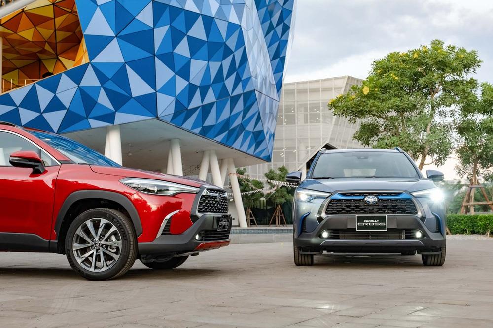 Toyota Corolla Cross gây 'sốc' khi đi 100km không cần tới 4 lít xăng, tiêu thụ bằng một nửa Hyundai i10 dù dài hơn cả nửa mét – Bí mật nào đằng sau? - Ảnh 1.