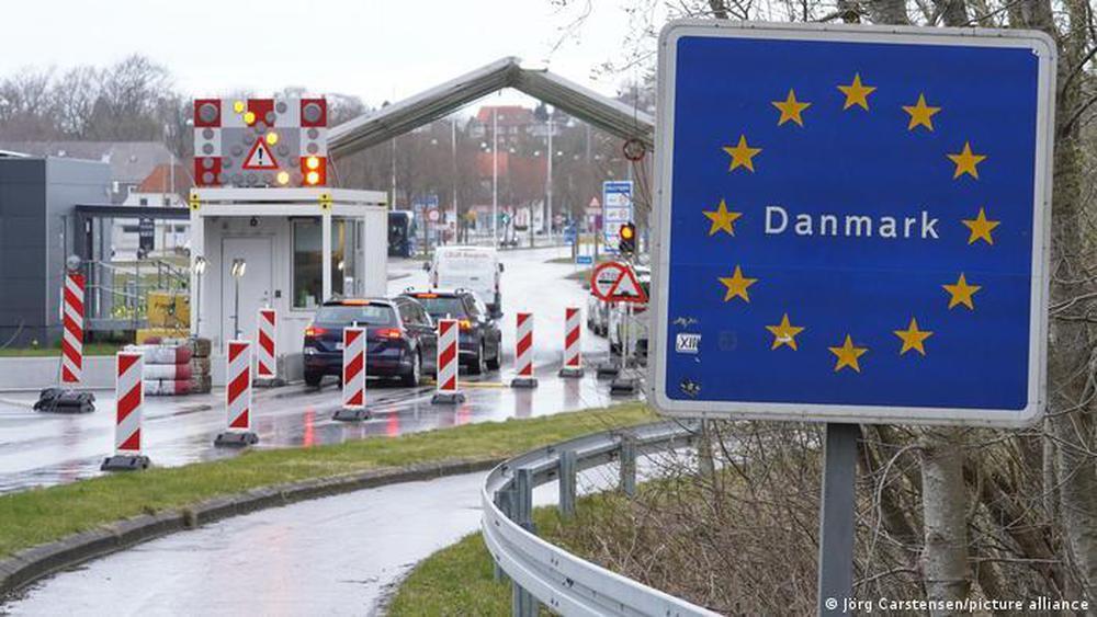 Vì sao Đan Mạch lập tức mở cửa, bỏ qua hộ chiếu vắc xin ở nội địa? - Ảnh 2.