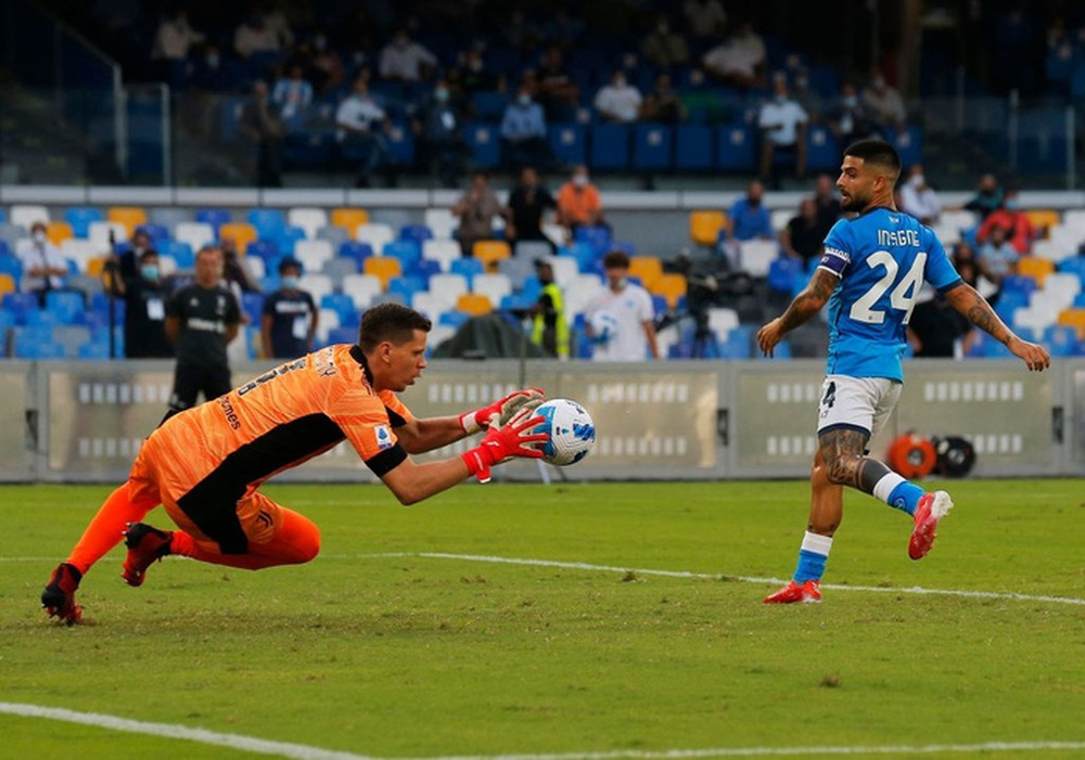 Juventus rơi xuống vị trí thứ 16 trên BXH Serie A sau thất bại trước Napoli - Ảnh 1.