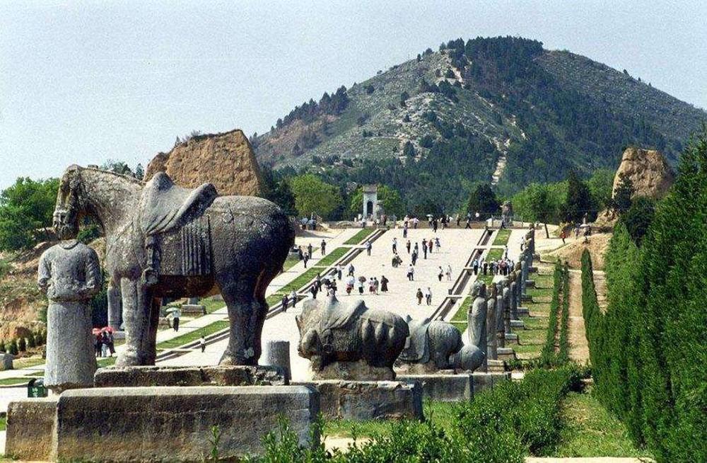 3 lăng mộ cổ đại liên quan đến long mạch của Trung Quốc: Không tên trộm nào dám tiến vào - Vì sao? - Ảnh 4.