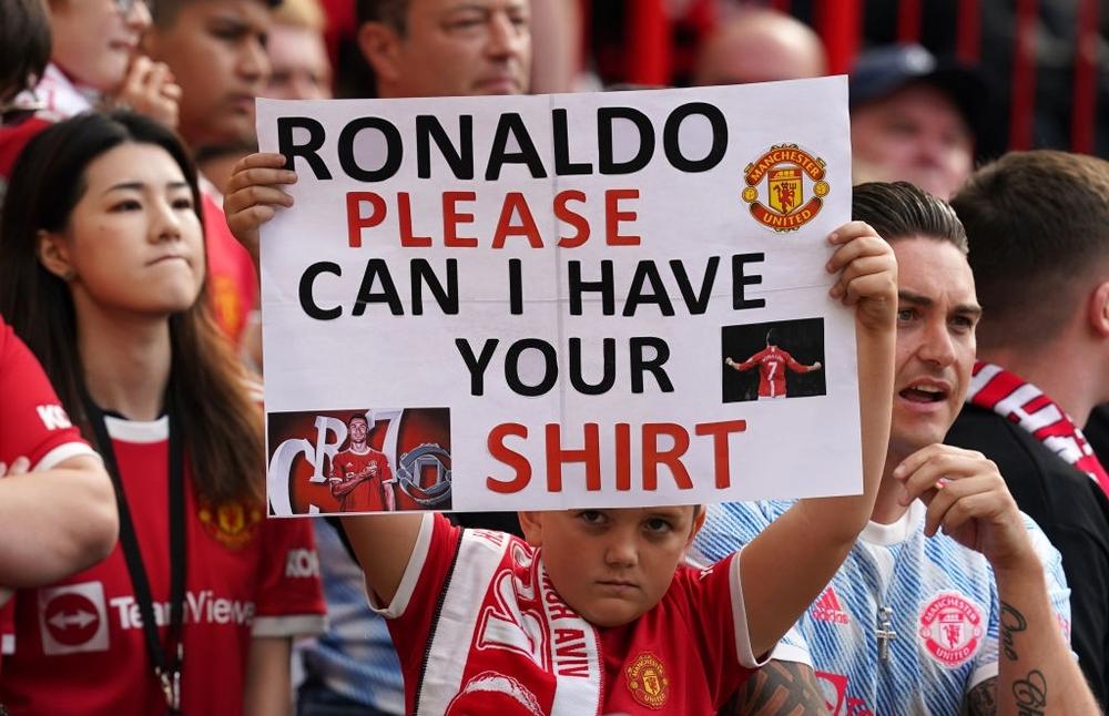 Fan nhí MU đòi cưới con trai cả Ronaldo - Ảnh 4.