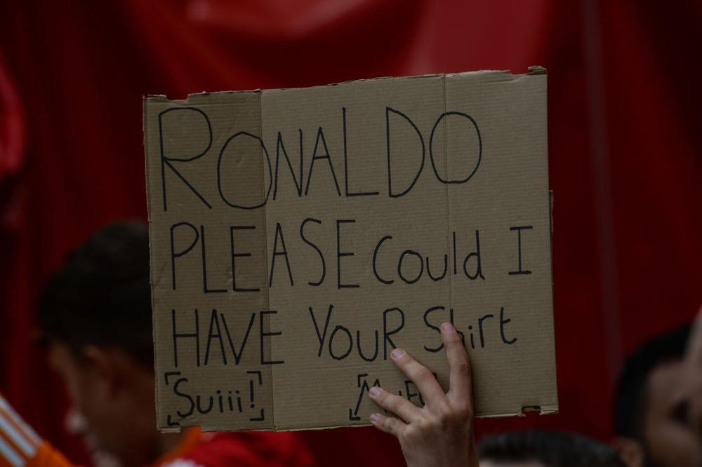 Fan nhí MU đòi cưới con trai cả Ronaldo - Ảnh 5.
