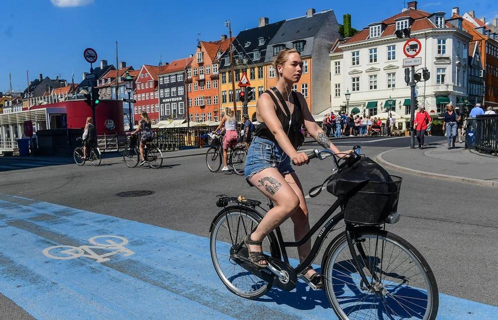 Vì sao Đan Mạch lập tức mở cửa, bỏ qua hộ chiếu vắc xin ở nội địa? - Ảnh 5.