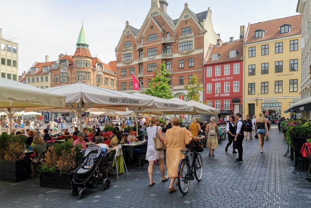 Vì sao Đan Mạch lập tức mở cửa, bỏ qua hộ chiếu vắc xin ở nội địa? - Ảnh 8.