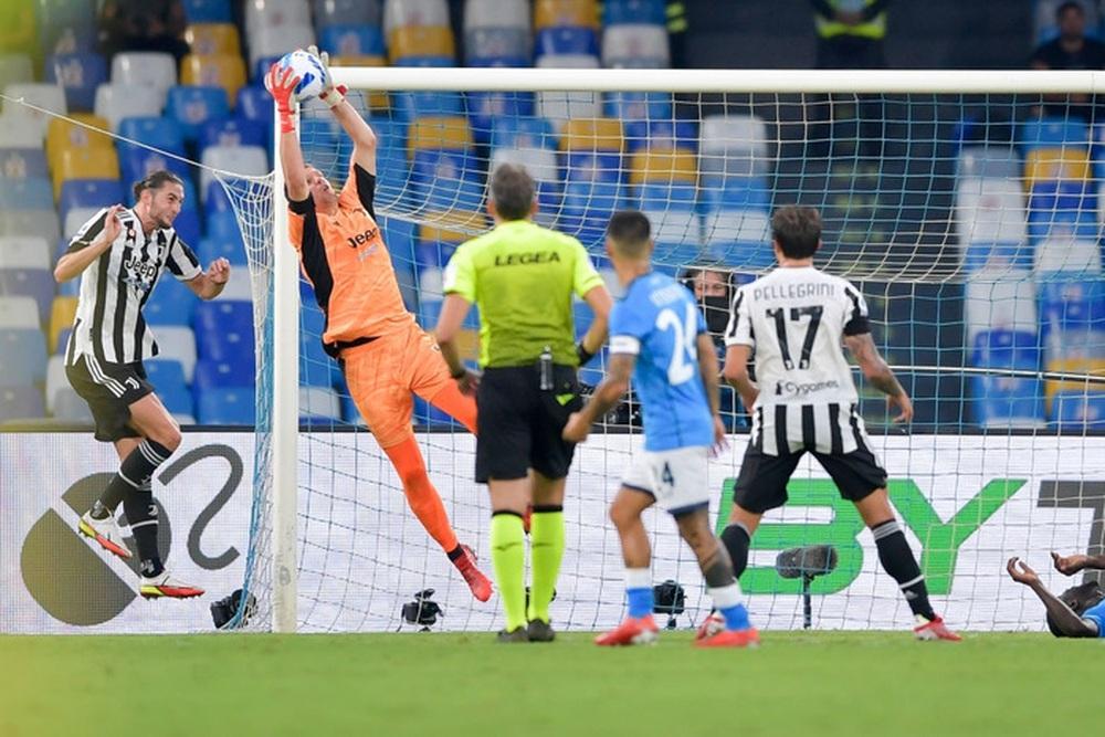 Juventus rơi xuống vị trí thứ 16 trên BXH Serie A sau thất bại trước Napoli - Ảnh 8.