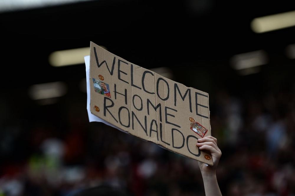 Fan nhí MU đòi cưới con trai cả Ronaldo - Ảnh 10.