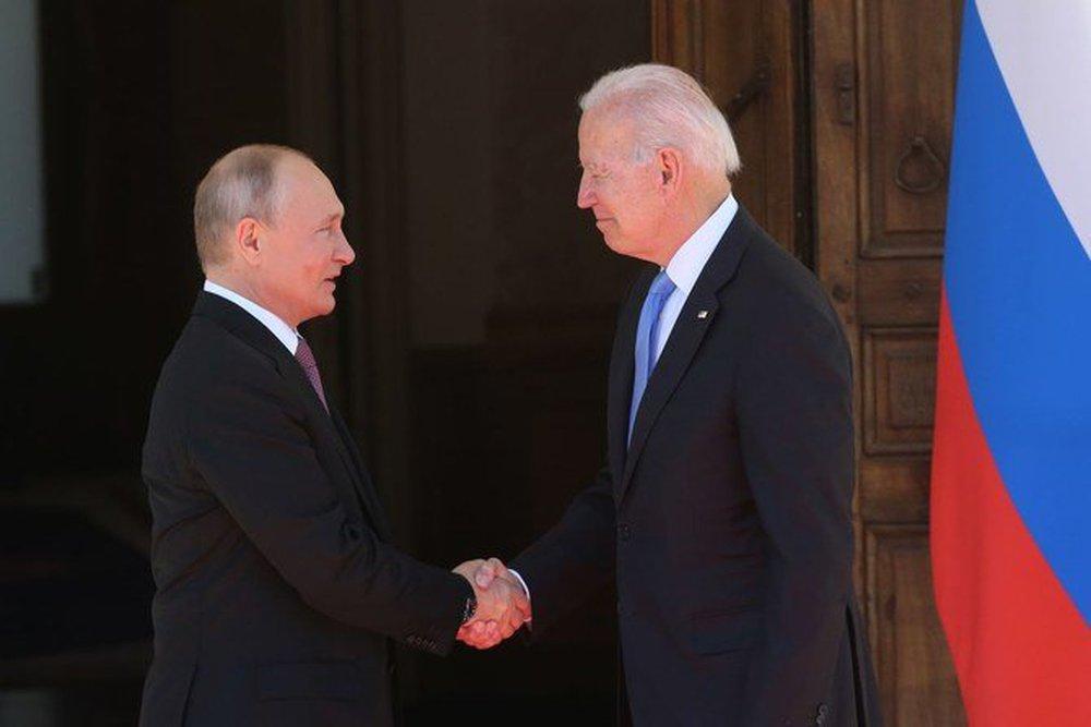 Kẻ mạnh làm vua: TT Putin quá cao thủ, Mỹ hở sườn chỗ nào đánh chỗ đó - Tối tăm mặt mũi! - Ảnh 2.