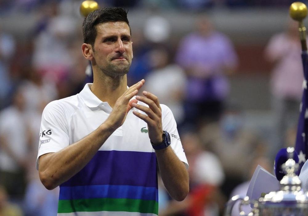 Hoa khôi Sharapova và dàn sao hạng A Hollywood chứng kiến Djokovic bật khóc, gục ngã trước ngưỡng cửa thiên đường - Ảnh 1.