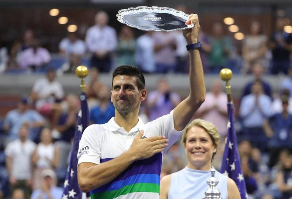Hoa khôi Sharapova và dàn sao hạng A Hollywood chứng kiến Djokovic bật khóc, gục ngã trước ngưỡng cửa thiên đường - Ảnh 2.