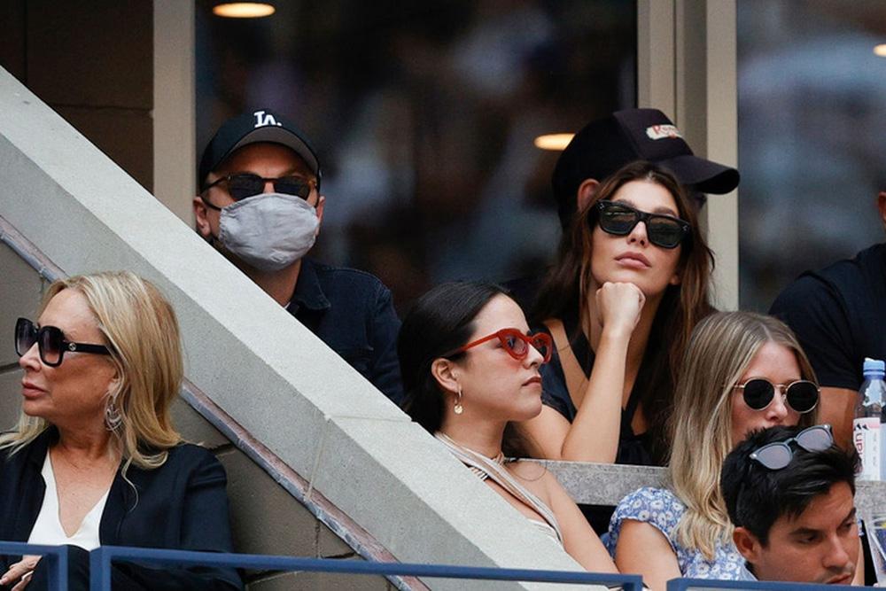 Hoa khôi Sharapova và dàn sao hạng A Hollywood chứng kiến Djokovic bật khóc, gục ngã trước ngưỡng cửa thiên đường - Ảnh 6.
