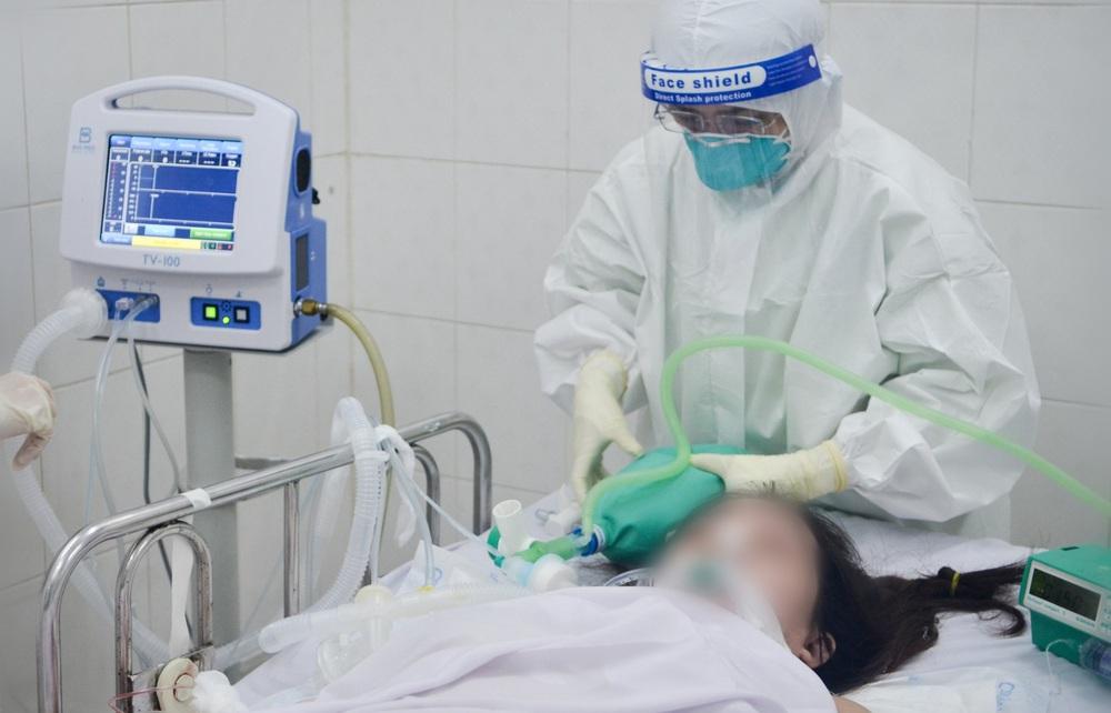 TP HCM: Số ca tử vong do COVID-19 giảm, chuyên gia dự đoán thời điểm thành phố sẽ ổn - Ảnh 3.