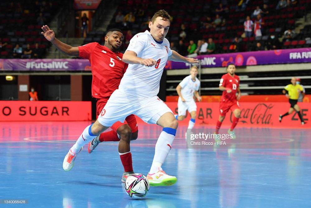 Đối thủ cạnh tranh trực tiếp của futsal Việt Nam thua đậm CH Czech ở trận ra quân World Cup 2021 - Ảnh 1.