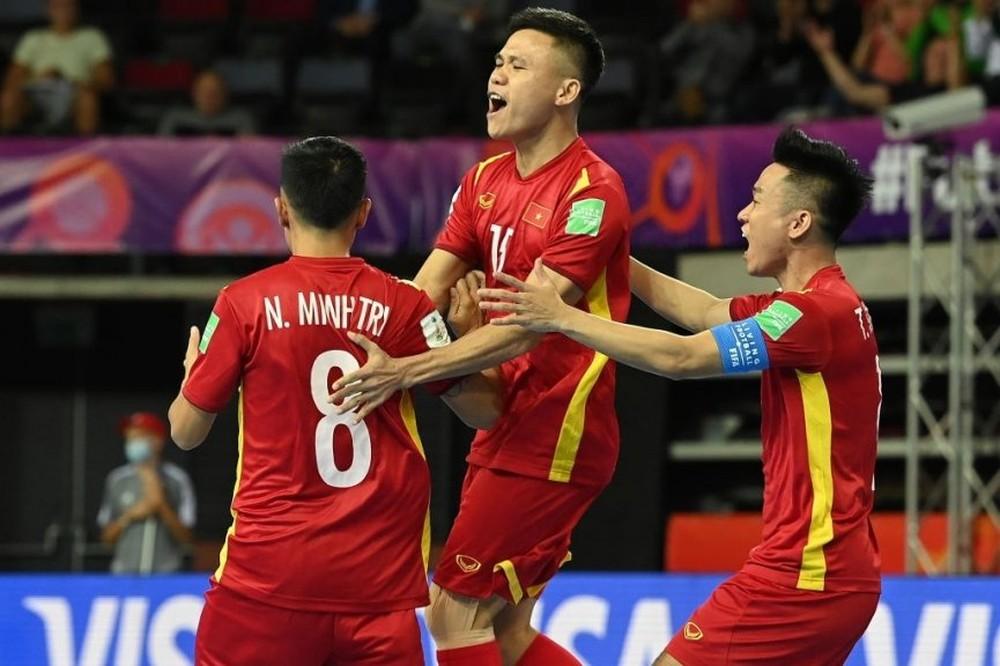 Tuyển thủ Việt Nam chỉ ra lỗ hổng tai hại sau trận thua lịch sử tại World Cup - Ảnh 1.