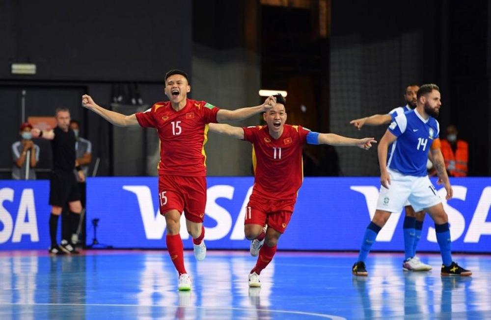 Báo Brazil phân tích bàn thắng đầu tiên của ĐT Việt Nam tại World Cup 2021 - Ảnh 1.