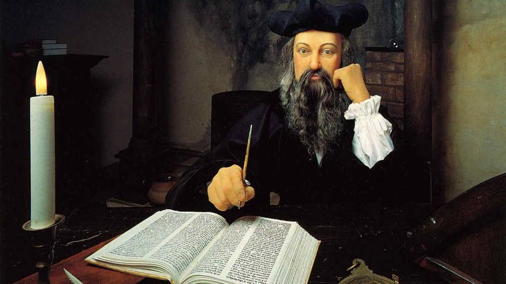 Vận mệnh tăm tối của thế giới năm 2022 qua lời tiên tri của Nostradamus: Sụp đổ & U buồn - Ảnh 1.