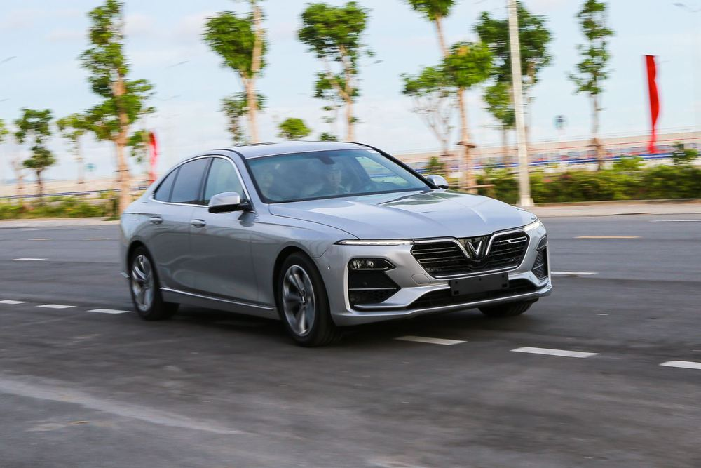VinFast Lux A2.0 lọt top 5 sedan bán chạy – Chiêu bài nào khiến đối thủ 'mất ăn mất ngủ'? - Ảnh 3.