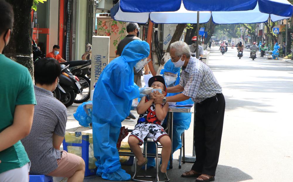Hà Nội đã lấy được 2,8 triệu mẫu xét nghiệm, phát hiện 19 ca dương tính