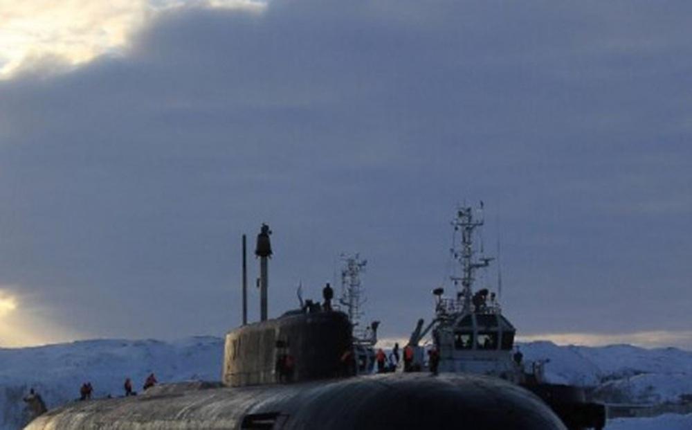 Tàu ngầm Nga phóng tên lửa Granit trên biển Barents