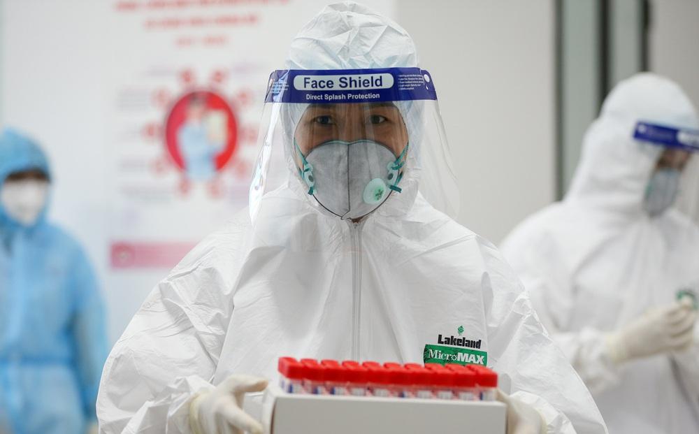 Hà Nội đã lấy được hơn 3,1 triệu mẫu xét nghiệm COVID-19, phát hiện 19 ca dương tính