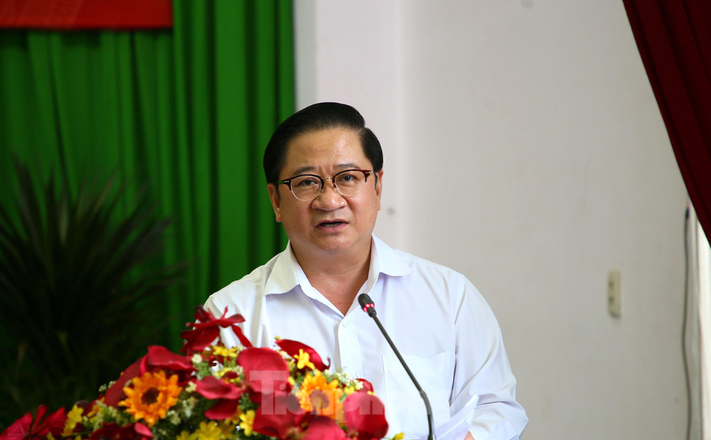 Chủ tịch TP Cần Thơ lên tiếng về vụ tiêm vắc xin cho bé gái 13 tuổi