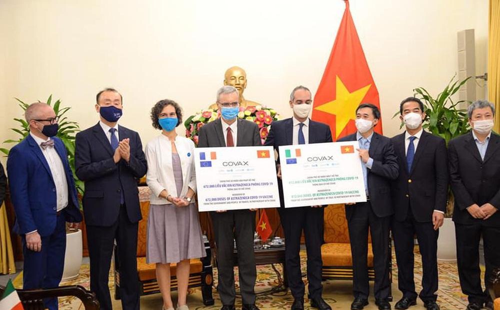 Tin vui: Việt Nam tiếp nhận hơn 1,4 triệu liều vắc xin COVID-19 từ hai nước Pháp, Ý