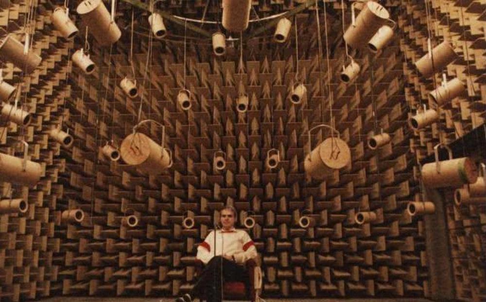 """""""Căn phòng yên tĩnh nhất thế giới"""" thách thức giới hạn chịu đựng của con người: Người trong cuộc thuật lại ký ức kinh hoàng!"""
