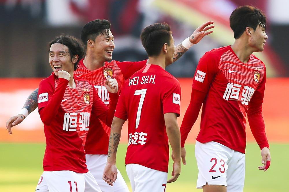 Bị phía UAE ra yêu cầu vô lý, LĐBĐ Trung Quốc tính đưa các CLB Super League sang giao hữu - Ảnh 2.