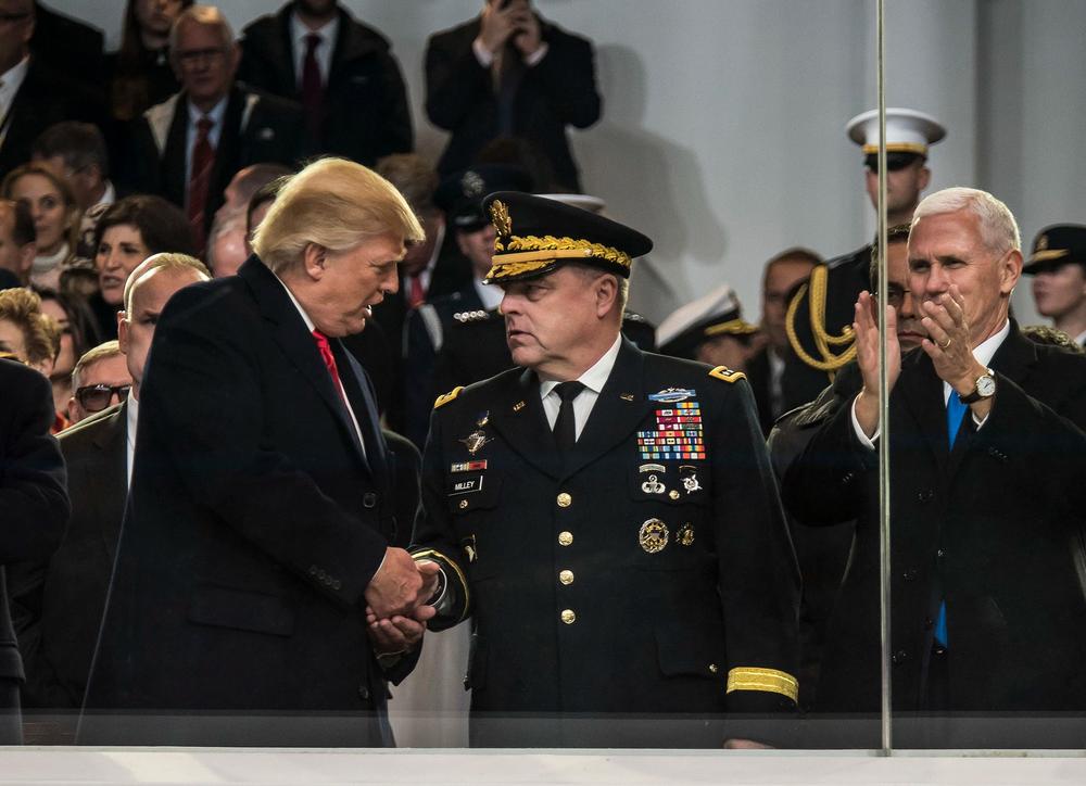 Giấu Trump, lén gọi tướng TQ quen 5 năm hứa báo tin nếu Mỹ tấn công: Tướng 4 sao phạm tội tày đình? - Ảnh 2.