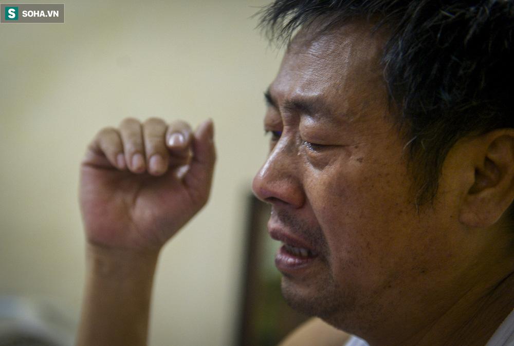 Người cha bật khóc trên sóng truyền hình: Tôi khóc do quá xúc động chứ không phải để xin điện thoại - Ảnh 6.