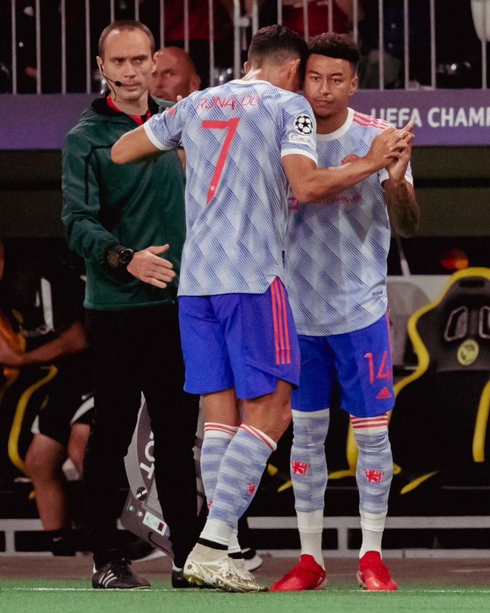 HLV Ole Solskjaer lên tiếng giải thích lý do thay Ronaldo - Ảnh 2.