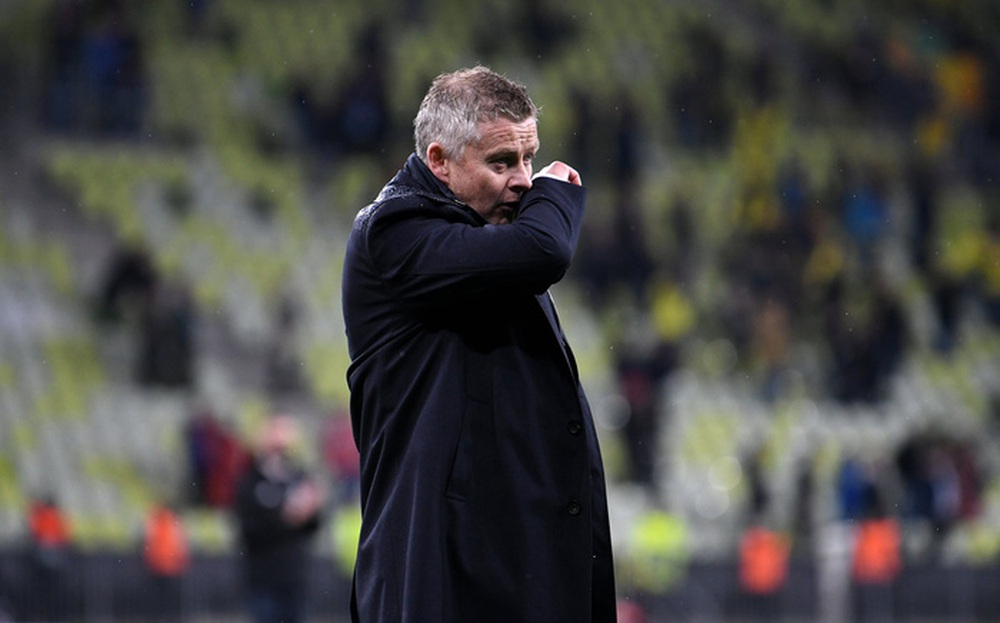 Những lời giận dữ của HLV Ole Solskjaer với cầu thủ MU sau trận thua tệ hại - Ảnh 1.