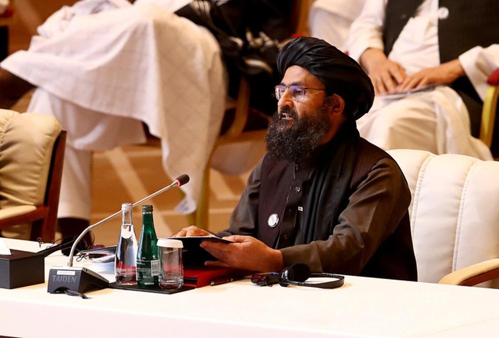 Phó thủ tướng của Taliban bỏ chạy sau cuộc ẩu đả trong dinh tổng thống? - Ảnh 1.