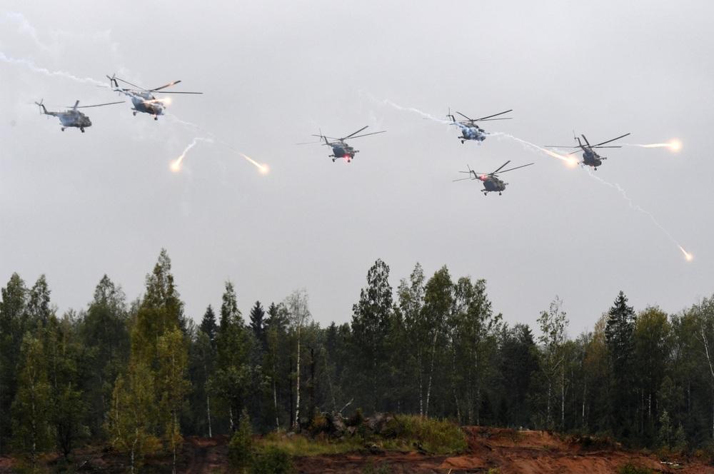 Quân đội Nga bất thần từ trên trời rơi xuống: Sở chỉ huy Mỹ-NATO báo động! - Ảnh 8.