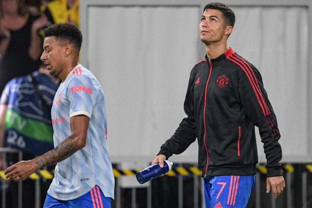 Nhân viên an ninh được tặng áo số 7 huyền thoại sau khi bị Ronaldo đá bóng trúng đầu - Ảnh 12.
