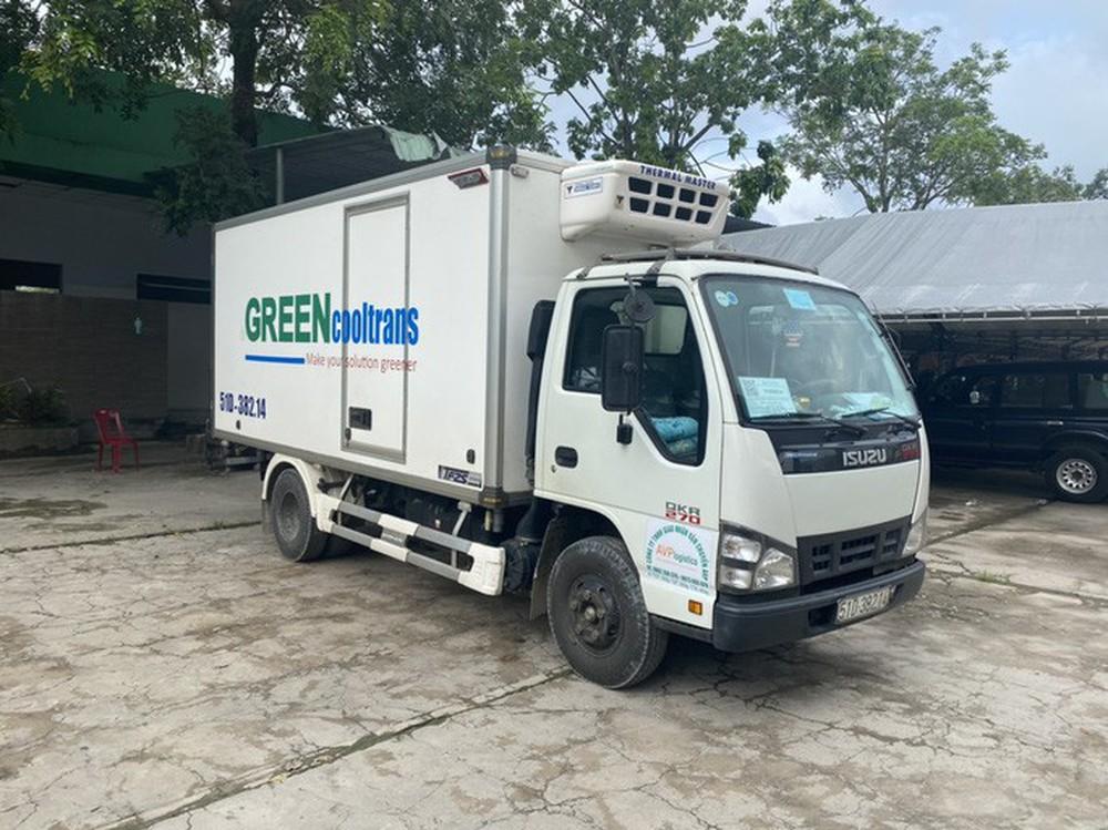 Bình Thuận đưa 15 người ngồi thùng xe đông lạnh né chốt về quê - Ảnh 3.