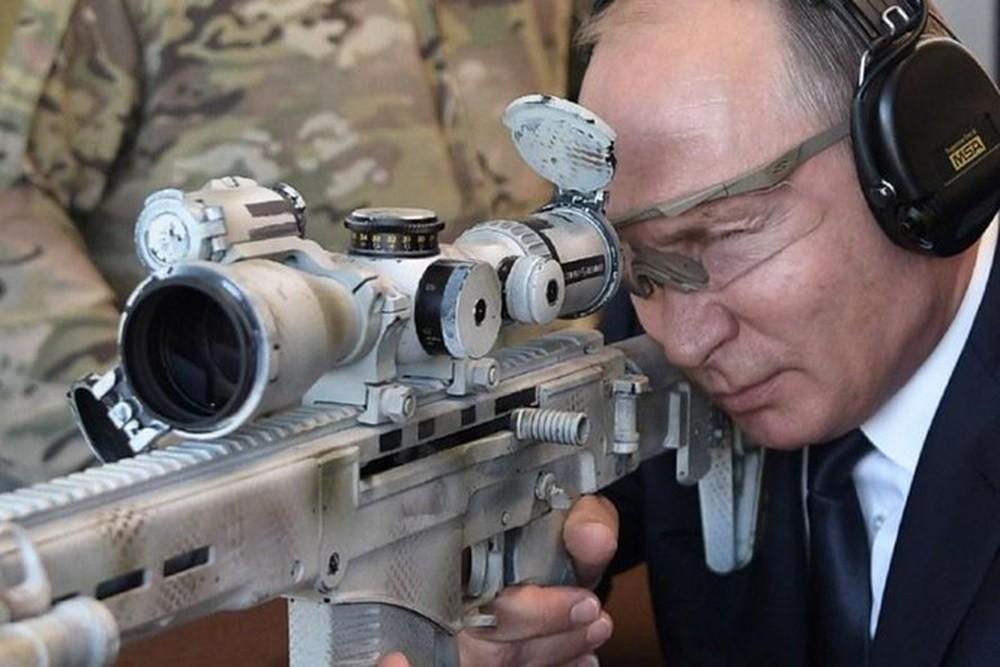 Trung tá tình báo V. Putin trấn áp đám đông, cứu tài liệu tuyệt mật mật của KGB ở Đức - Ảnh 5.