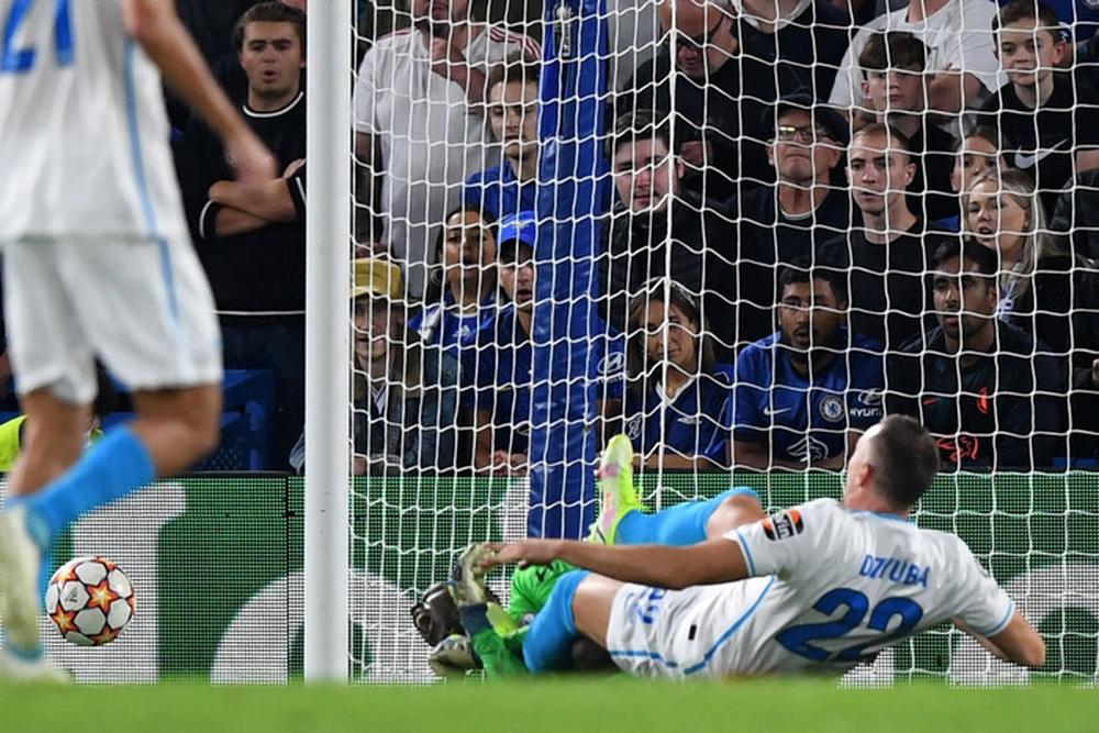 Lukaku ghi bàn thứ 14 trong 14 trận giúp Chelsea khởi đầu thắng lợi tại Champions League 2021/22 - Ảnh 10.