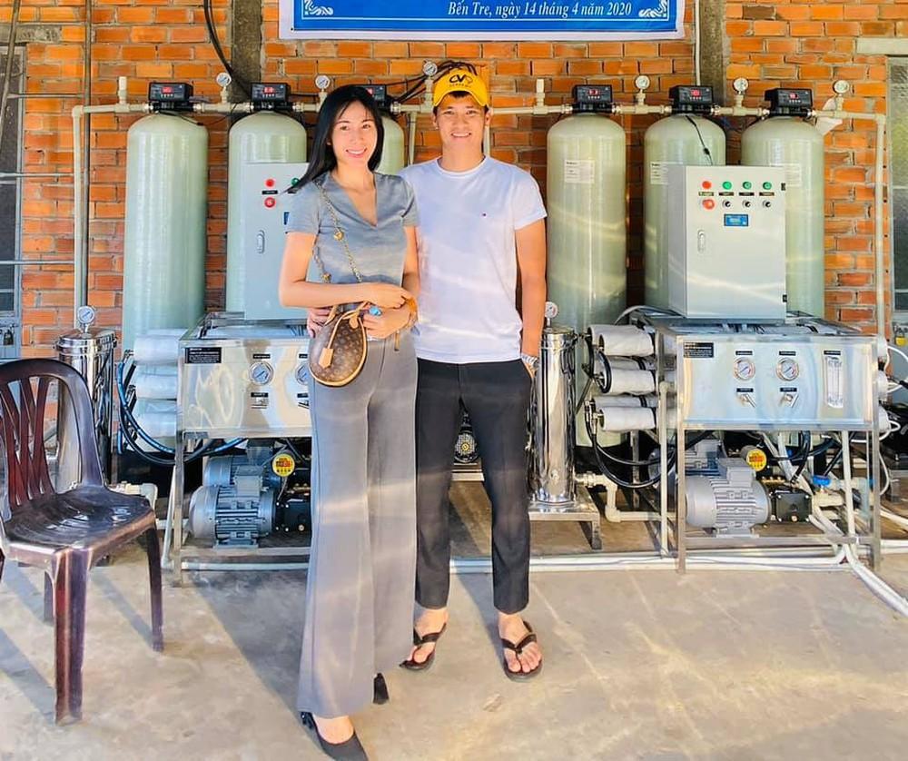 Ồn ào đôn giá máy lọc nước 450 triệu/chiếc, Thủy Tiên đã mang loại nào đi từ thiện? - Ảnh 2.