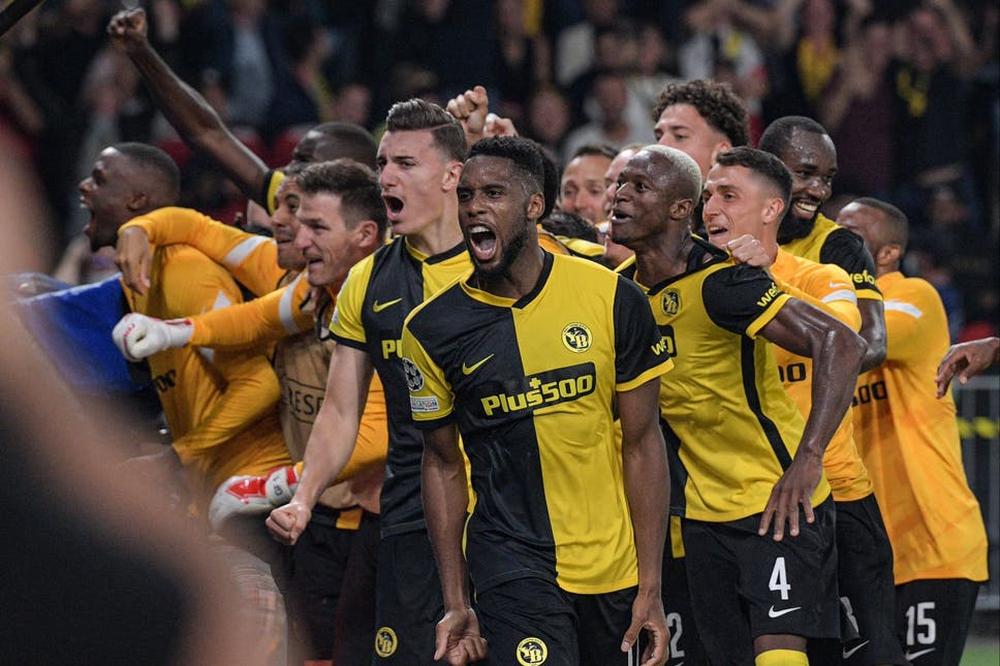 Đá với các chàng trai trẻ, nhưng Wan-Bissaka mới là kẻ non nớt khiến Man United bại trận - Ảnh 3.
