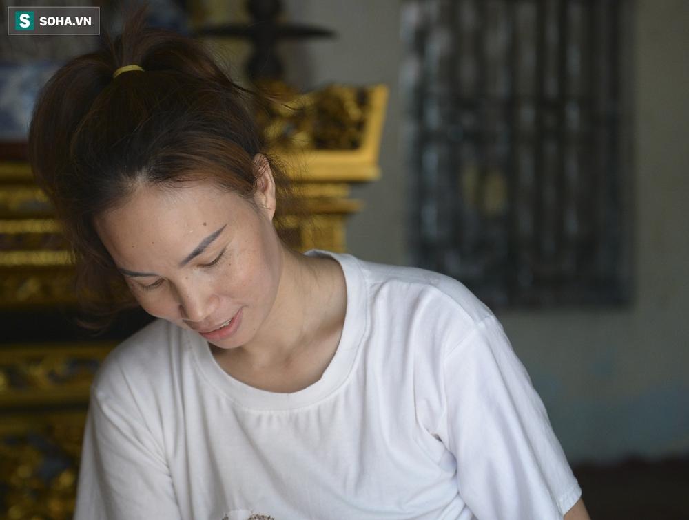 Hà Nội: Cặp vợ chồng có 6 con học online nhưng nhà có duy nhất 2 điện thoại, thầy hiệu trưởng cho mượn 1 chiếc - Ảnh 5.