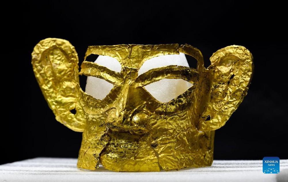 Khám phá thế kỷ: Mặt nạ vàng ròng lớn nhất Tam Tinh Đôi vừa được khai quật; Cả thế giới chỉ 4 châu lục sở hữu - Ảnh 1.